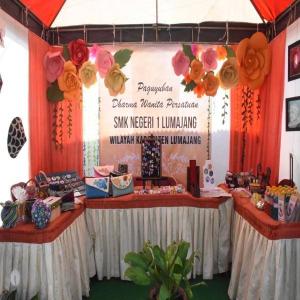 Pameran & Unjuk Karya Siswa dan Dharma Wanita Persatuan SMKN 1 LUMAJANG Tahun 2017