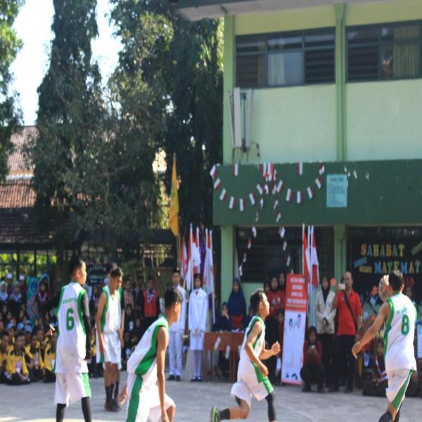 Promosi Ekstrakulikuler Basket dalam rangkaian kegiatan Masa Pengenalan Lingkungan Sekolah Tahun Pelajaran 2018